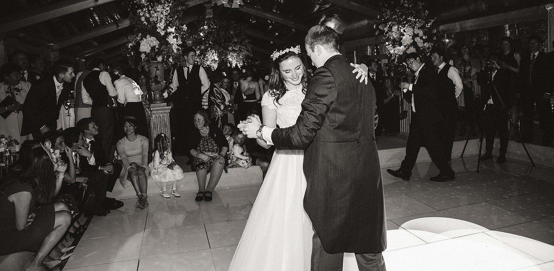 luxury wedding, berkshire, home wedding, first dance, Lucy Davenport Photography