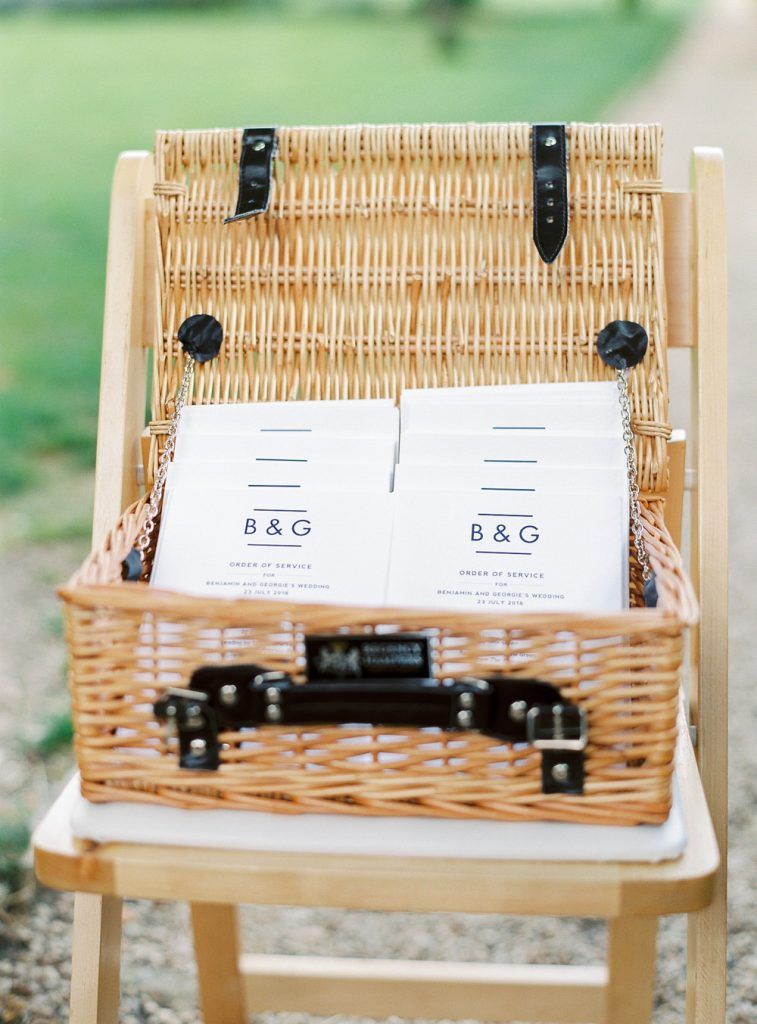 Order of service in picnic basket