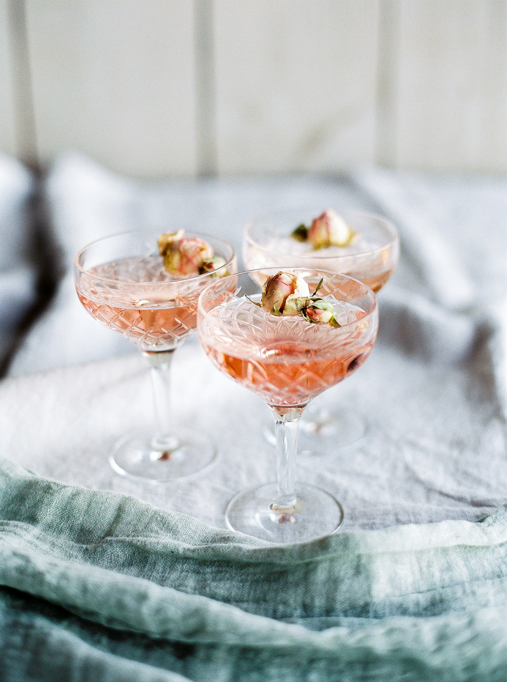 Blush champagne with dried roses