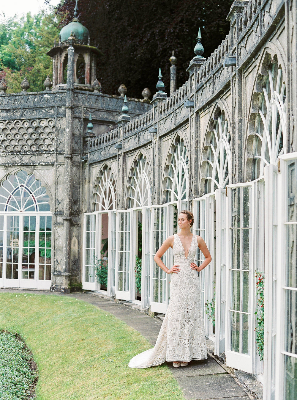 Bride outside Sezincote orangery
