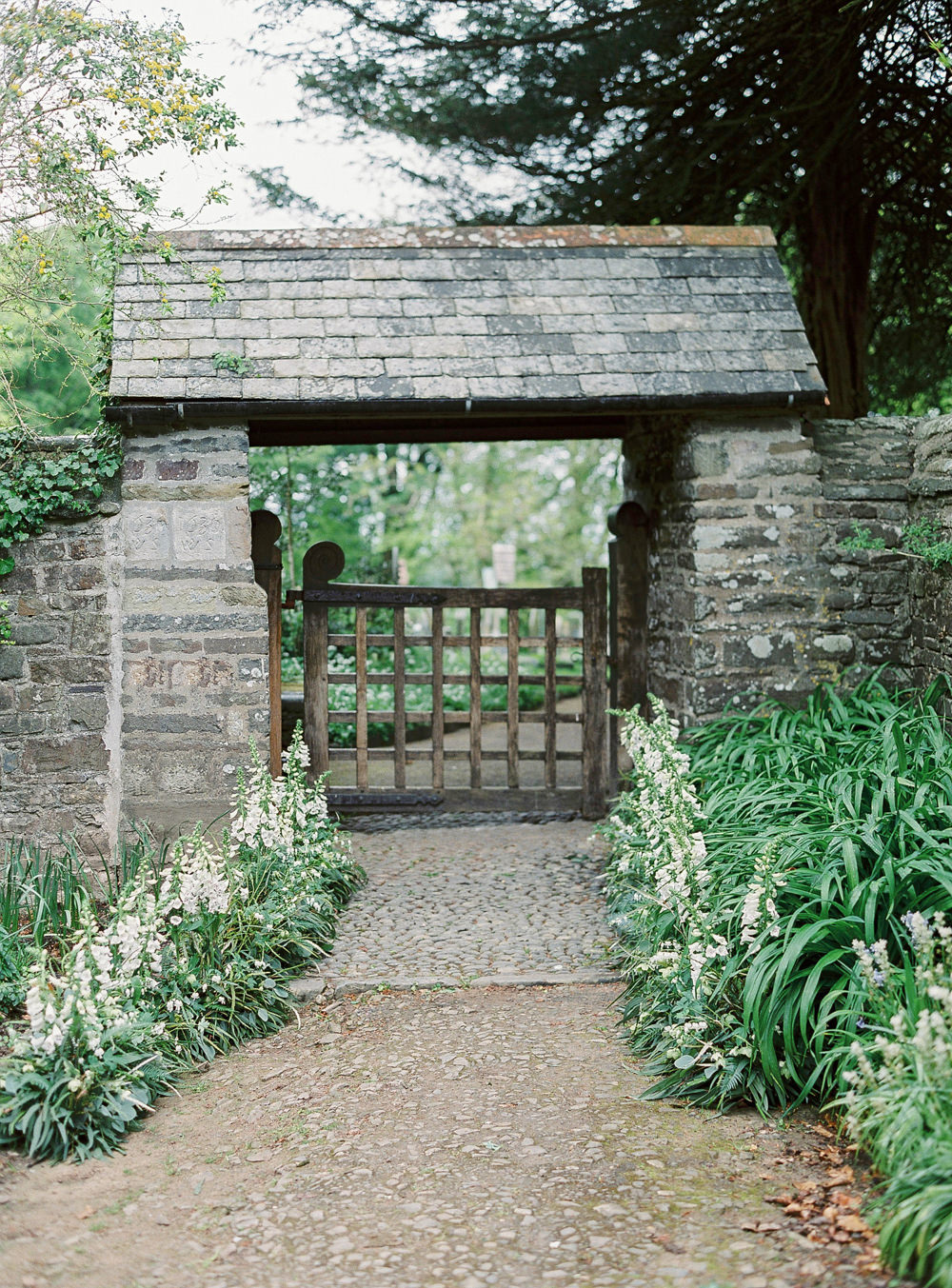 Clovelly church entrance