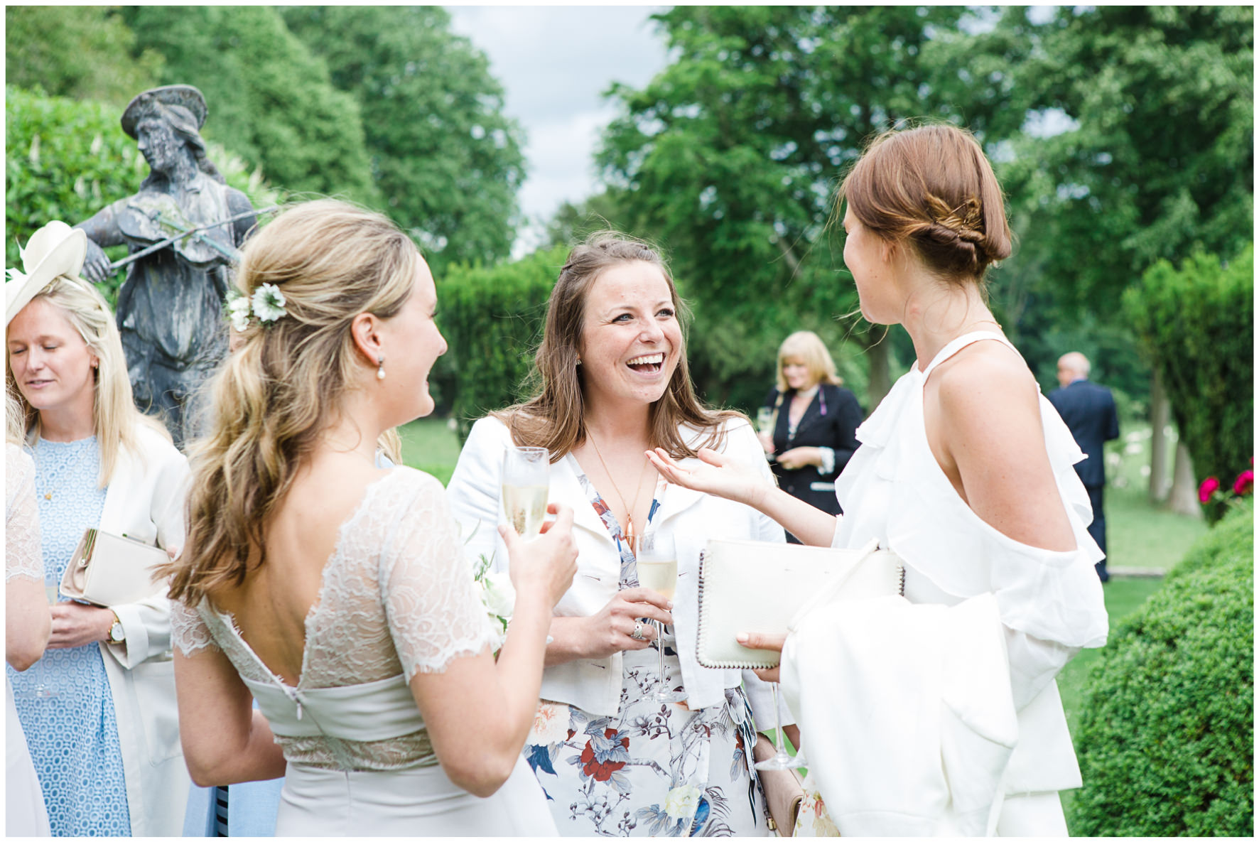 Lucy Davenport Photography, Cornwell Manor, wedding venue, Oxfordshire, Cotswold wedding, wedding guests, drinks reception