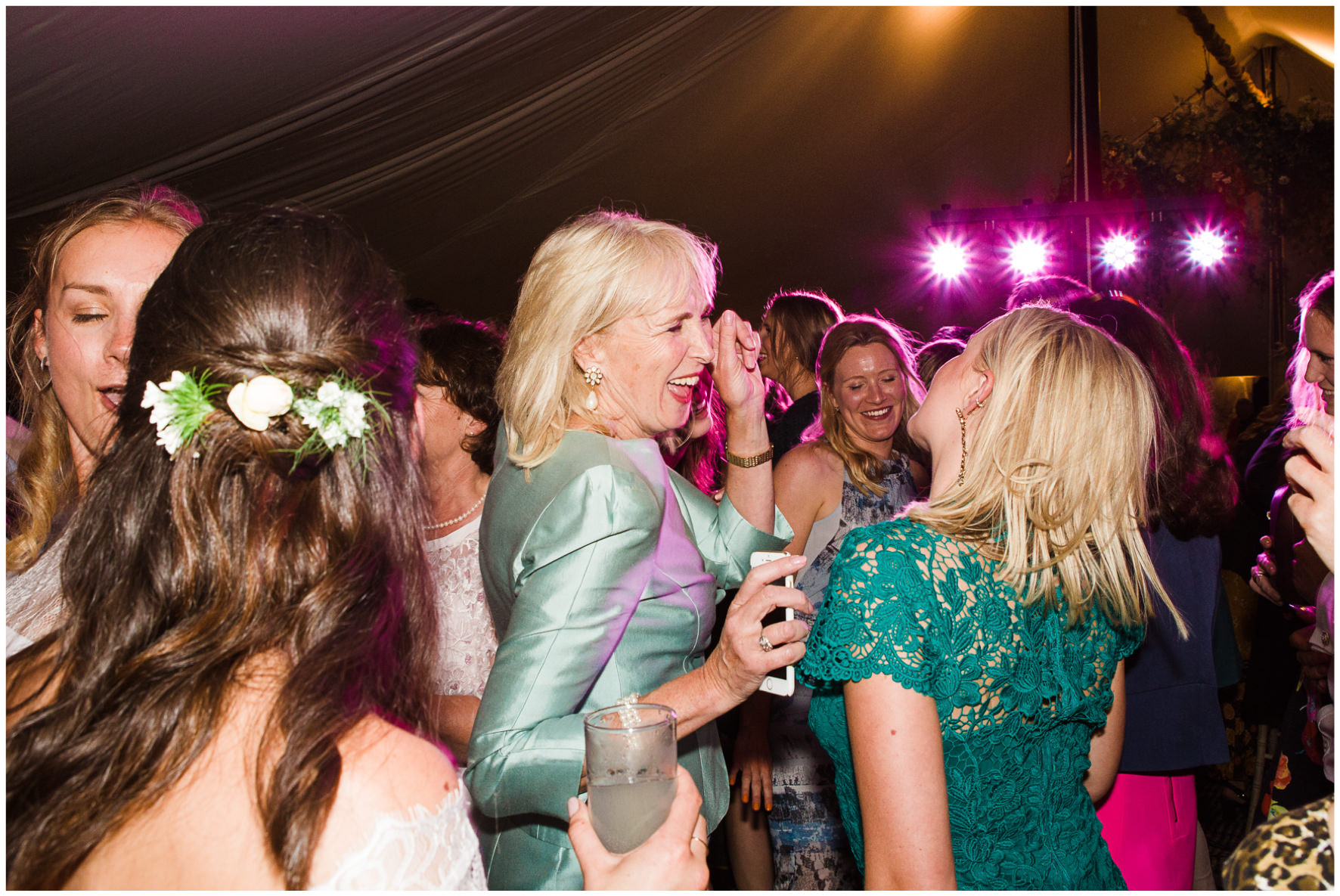 Lucy Davenport Photography, Cornwell Manor, wedding venue, Oxfordshire, Cotswold wedding, marquee wedding, marquee, dancing, party