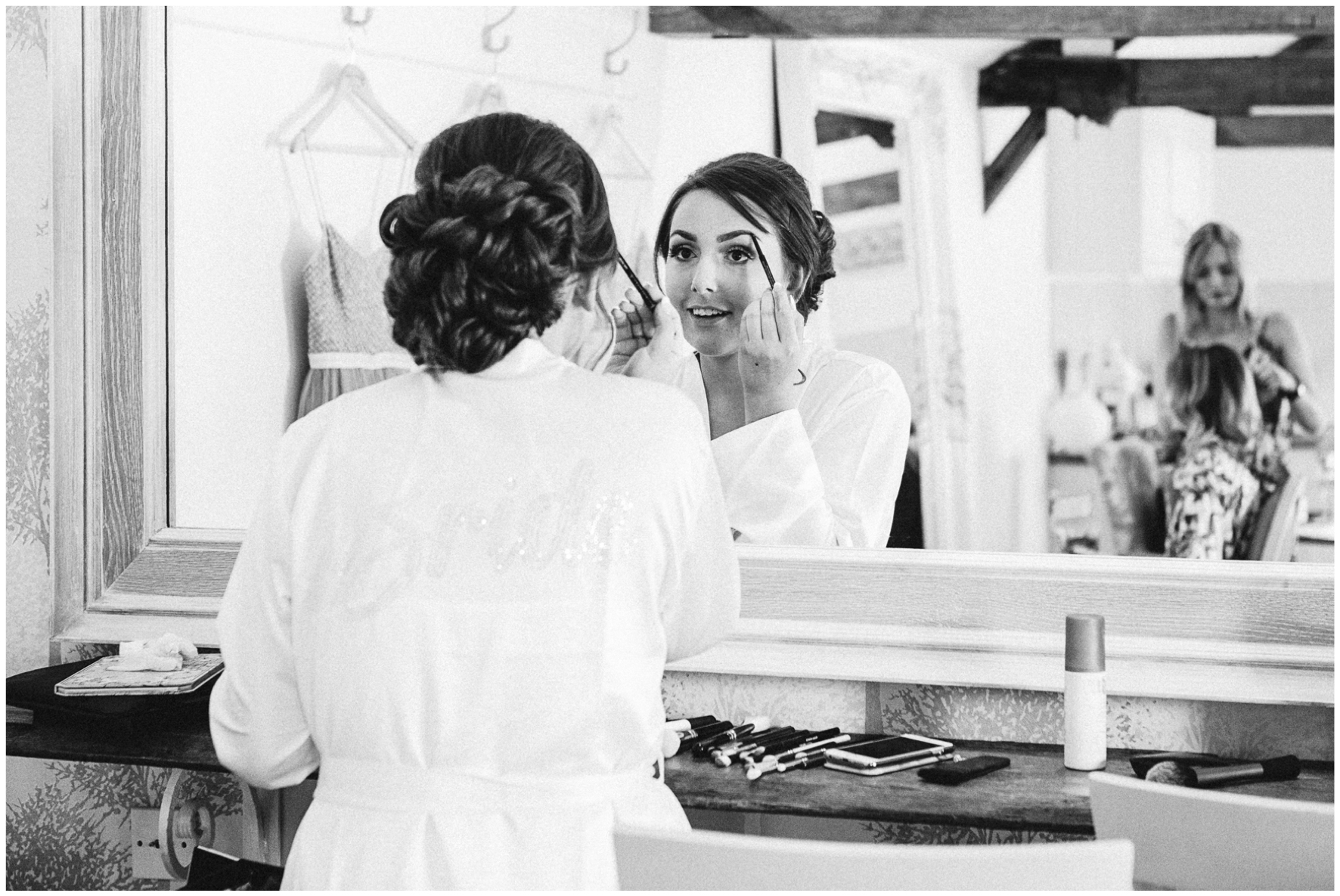 Lucy Davenport Photography, Caswell House, wedding, Oxfordshire, bride, make up, morning prep