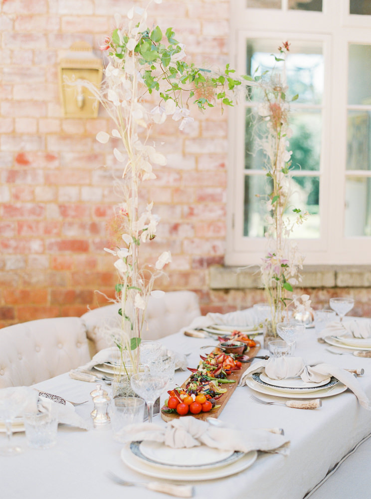 Al fresco tablescape at Thorpe Manor House